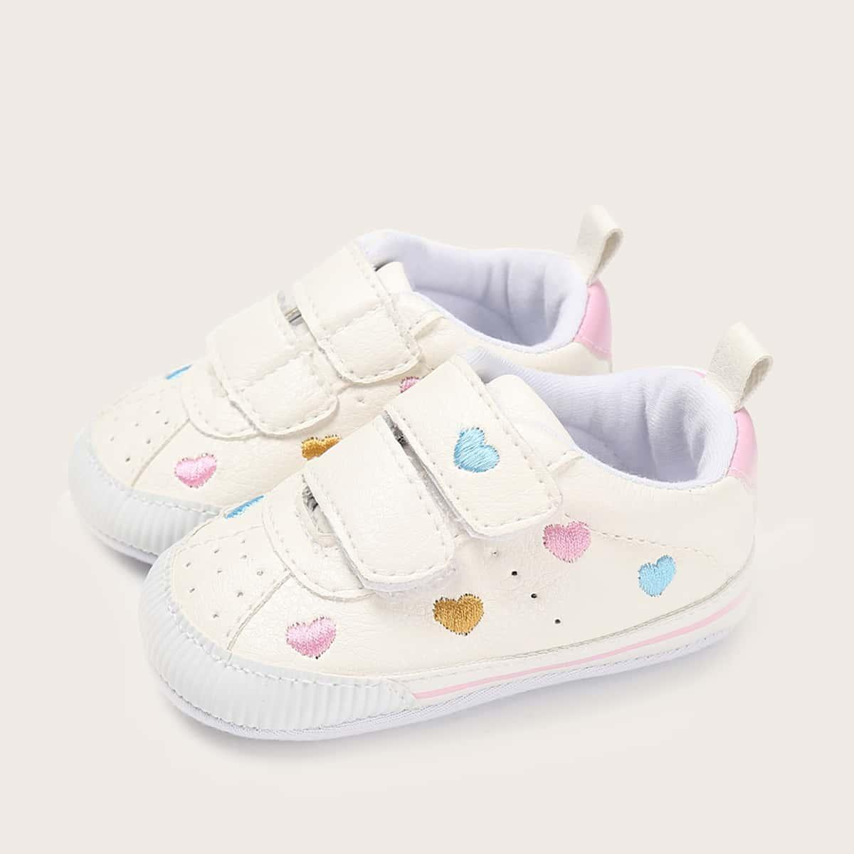 Кроссовки с вышивкой сердечка для девочек от SHEIN