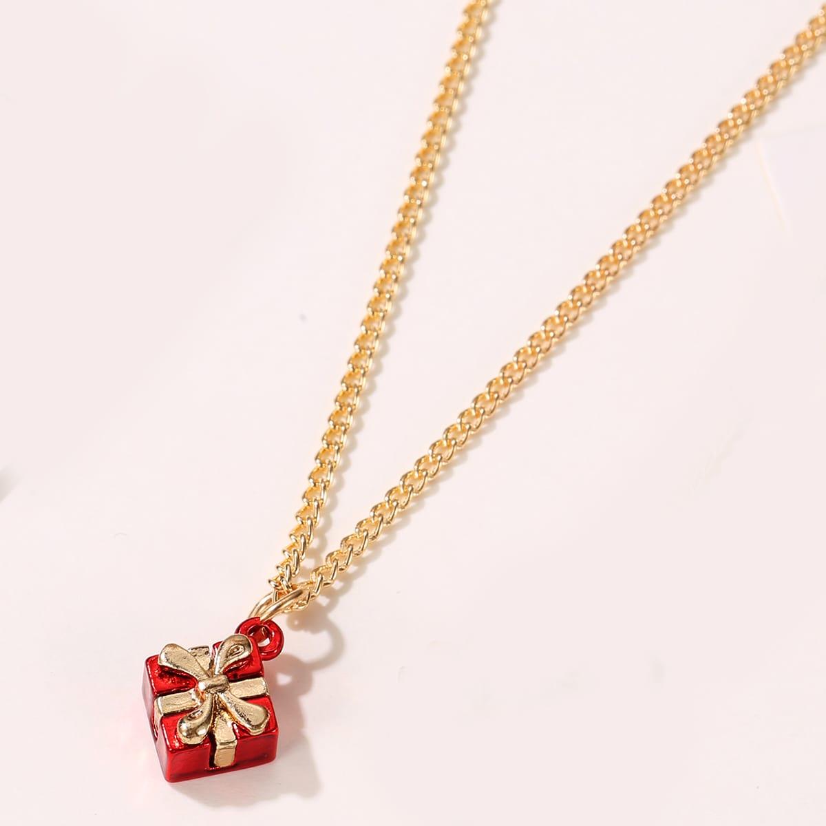 Ожерелье с рождественским подарком от SHEIN