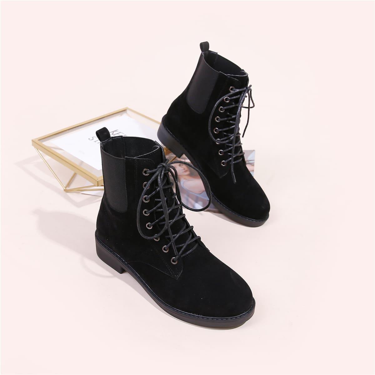 SHEIN / Minimalistische Chelsea Stiefel mit Band vorn