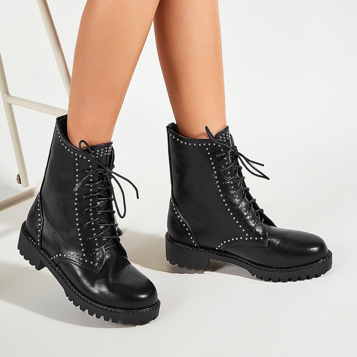 SHEIN / Stiefel mit Nieten Dekor und Band vorn
