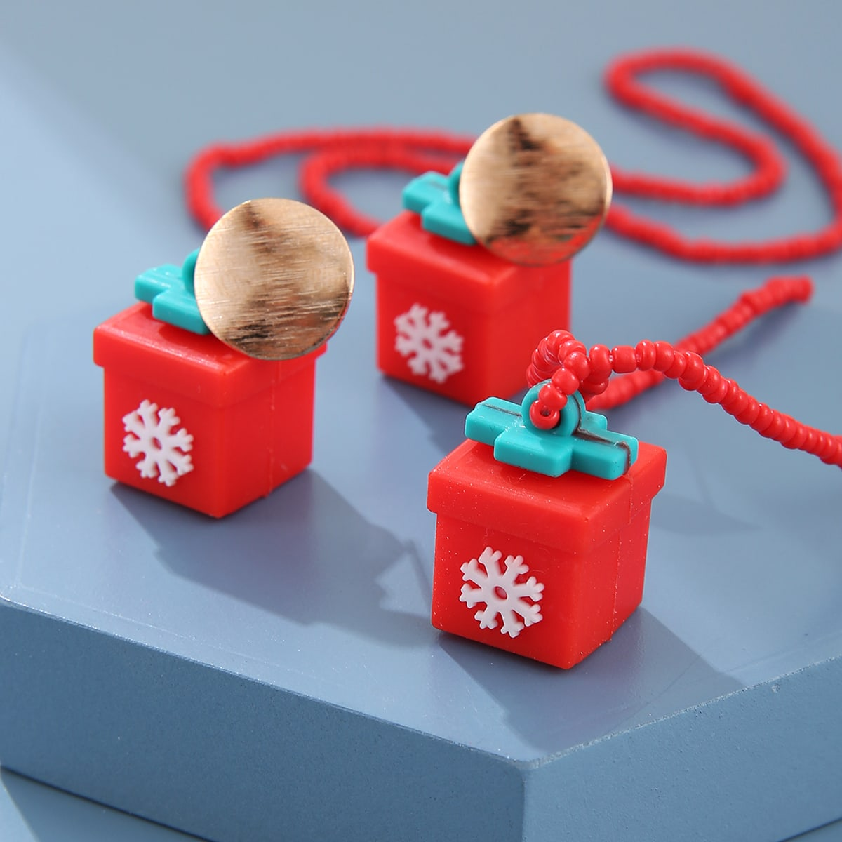 3шт Рождесто ювелирные изделия с декором подарка от SHEIN