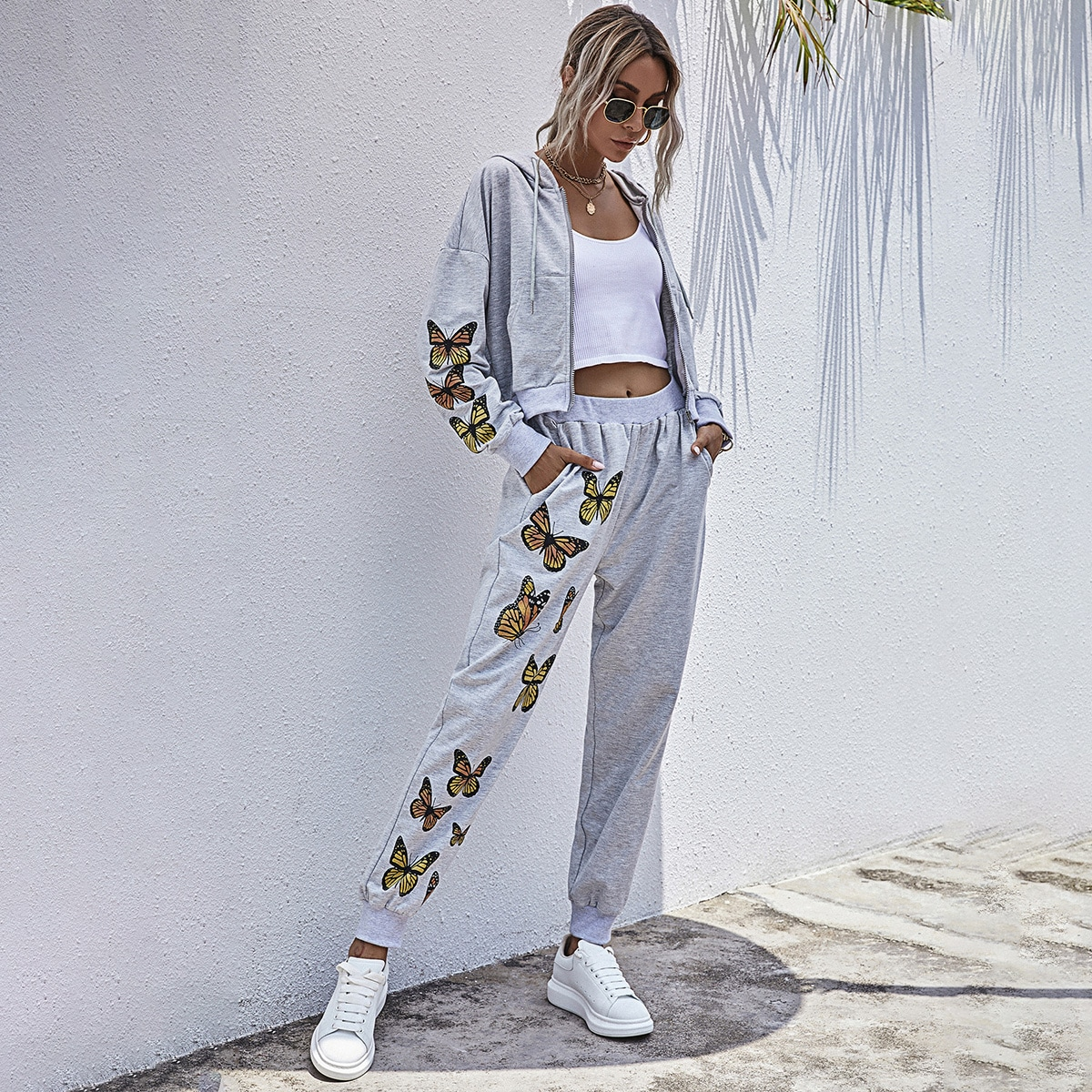 SHEIN / Butterfly Print Kangaroo Pocket Drawstring Hoodie & Sweatpants