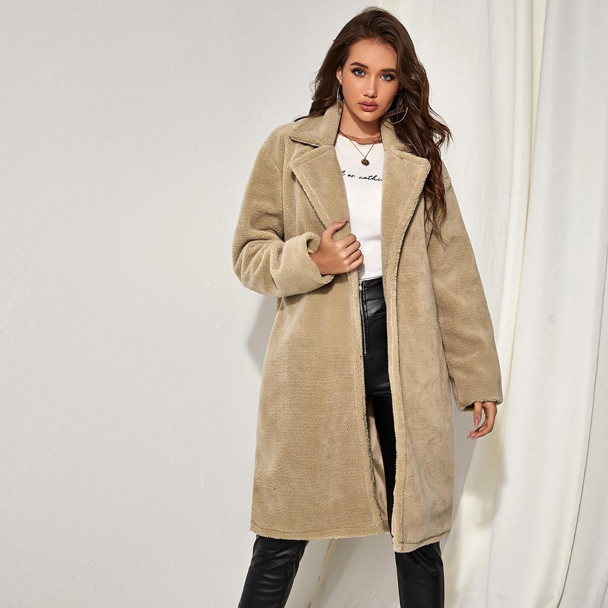 Однотонное плюшевое пальто