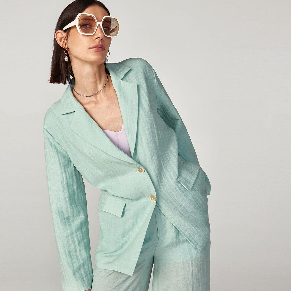 Однобортный пиджак оверсайз из хлопка и льна от SHEIN