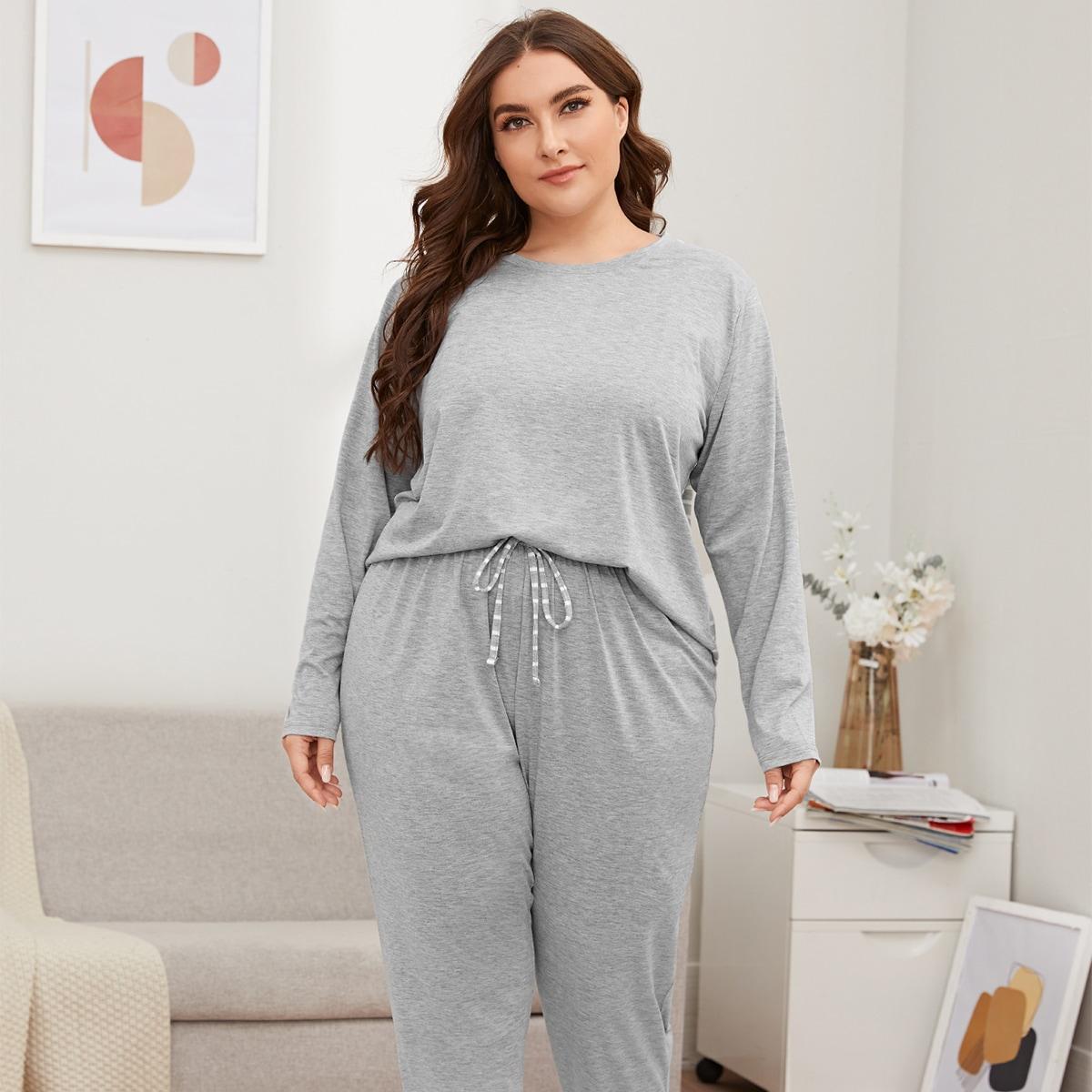 Пижама размера плюс в полоску сзади