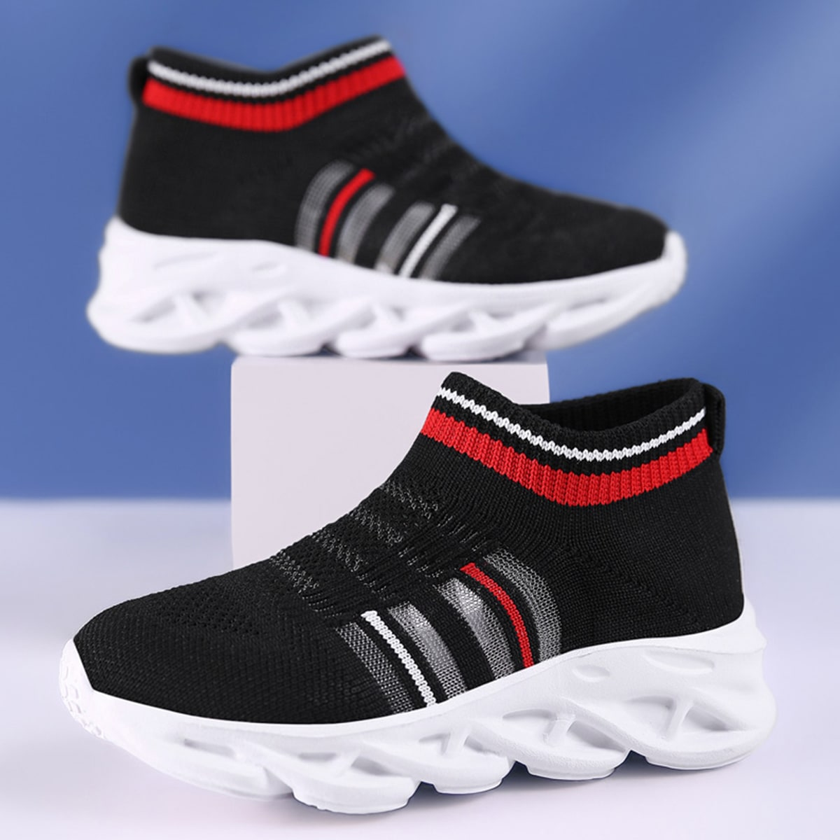Сетчатые трикотажные кроссовки для девочек от SHEIN