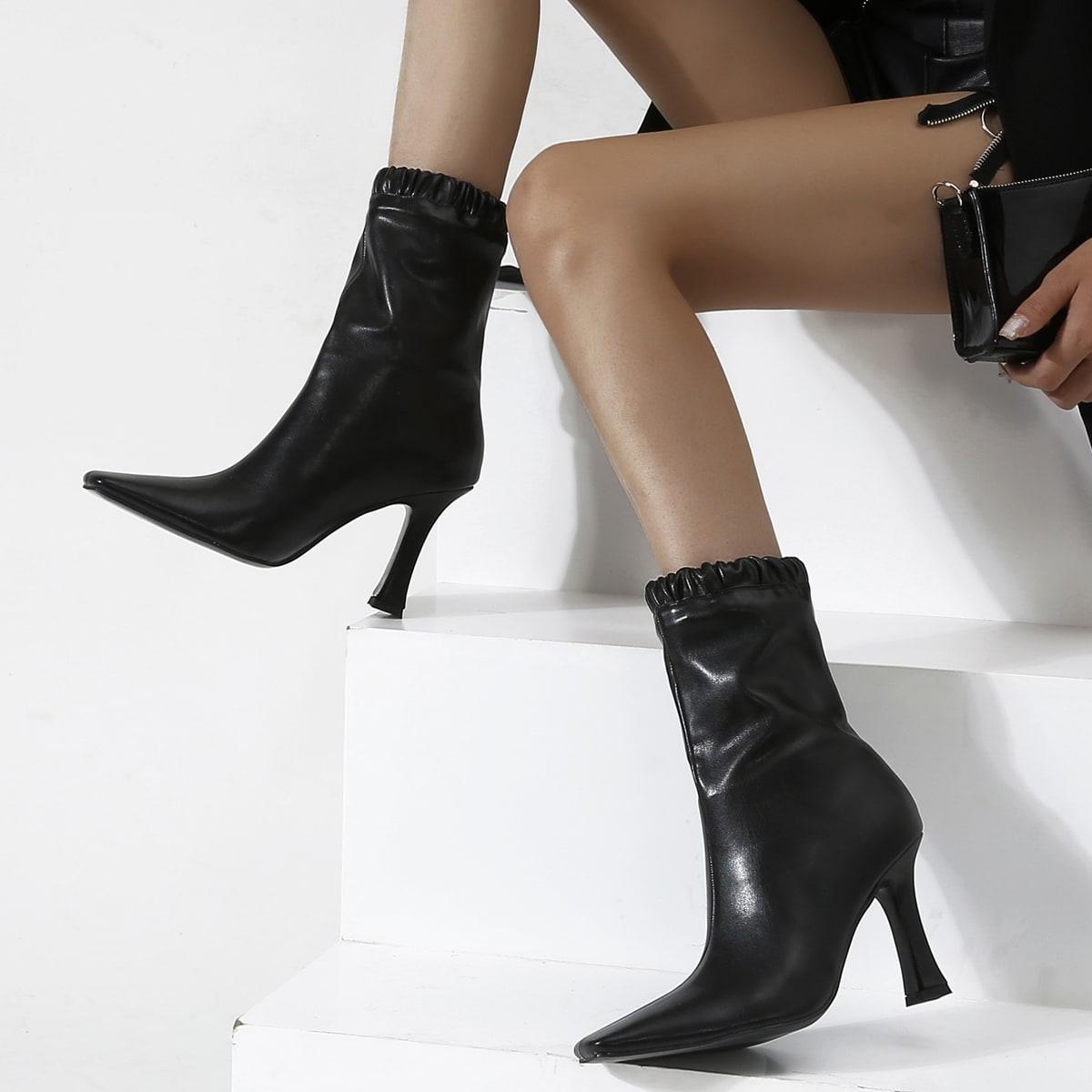 SHEIN / Stiefel mit Rüsche Detail und quadratischer Zehenpartie