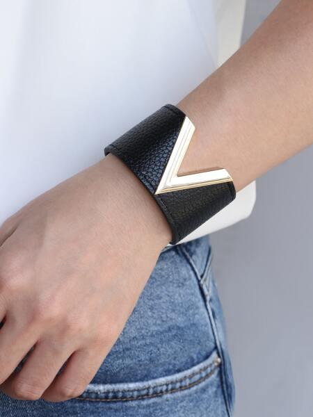 V-shaped Metal Detail PU Leather Bracelet