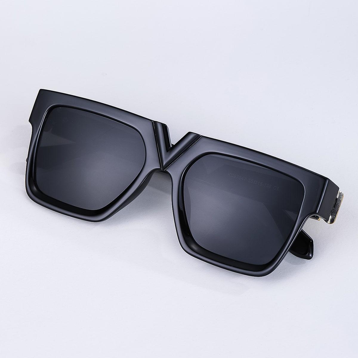 Мужские солнцезащитные очки в акриловой оправе