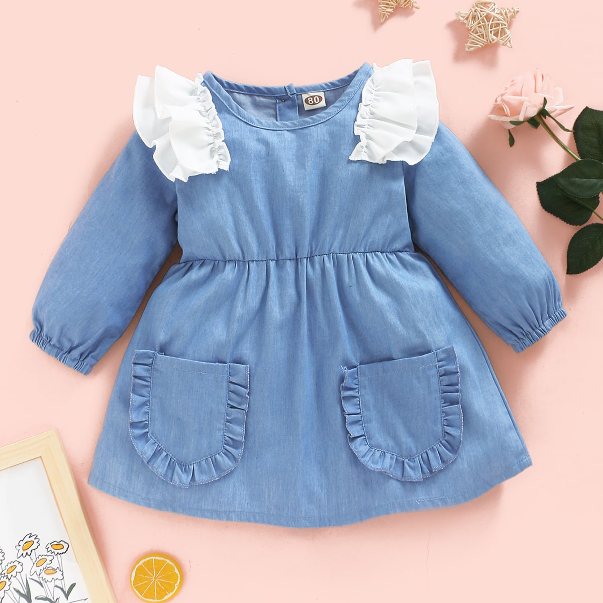 Джинсовое платье с двумя карманами и оборками для девочек от SHEIN