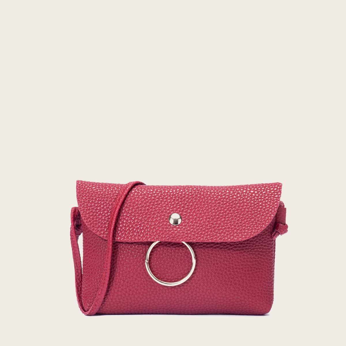 Bolsa bandolera con solapa con diseño de guijarro