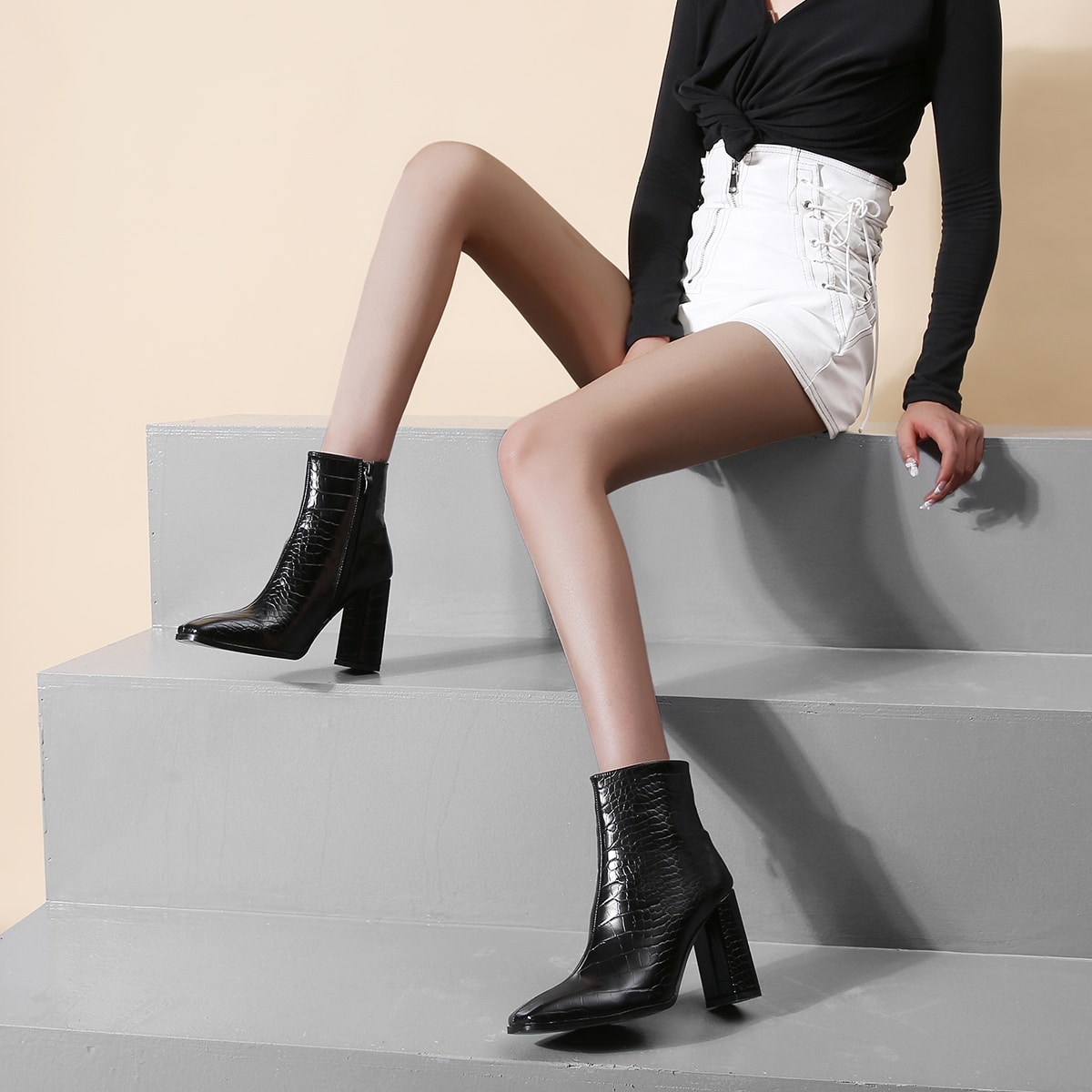 SHEIN / Stiefel mit quadratischer Zehenpartie und Krokoil Prägung
