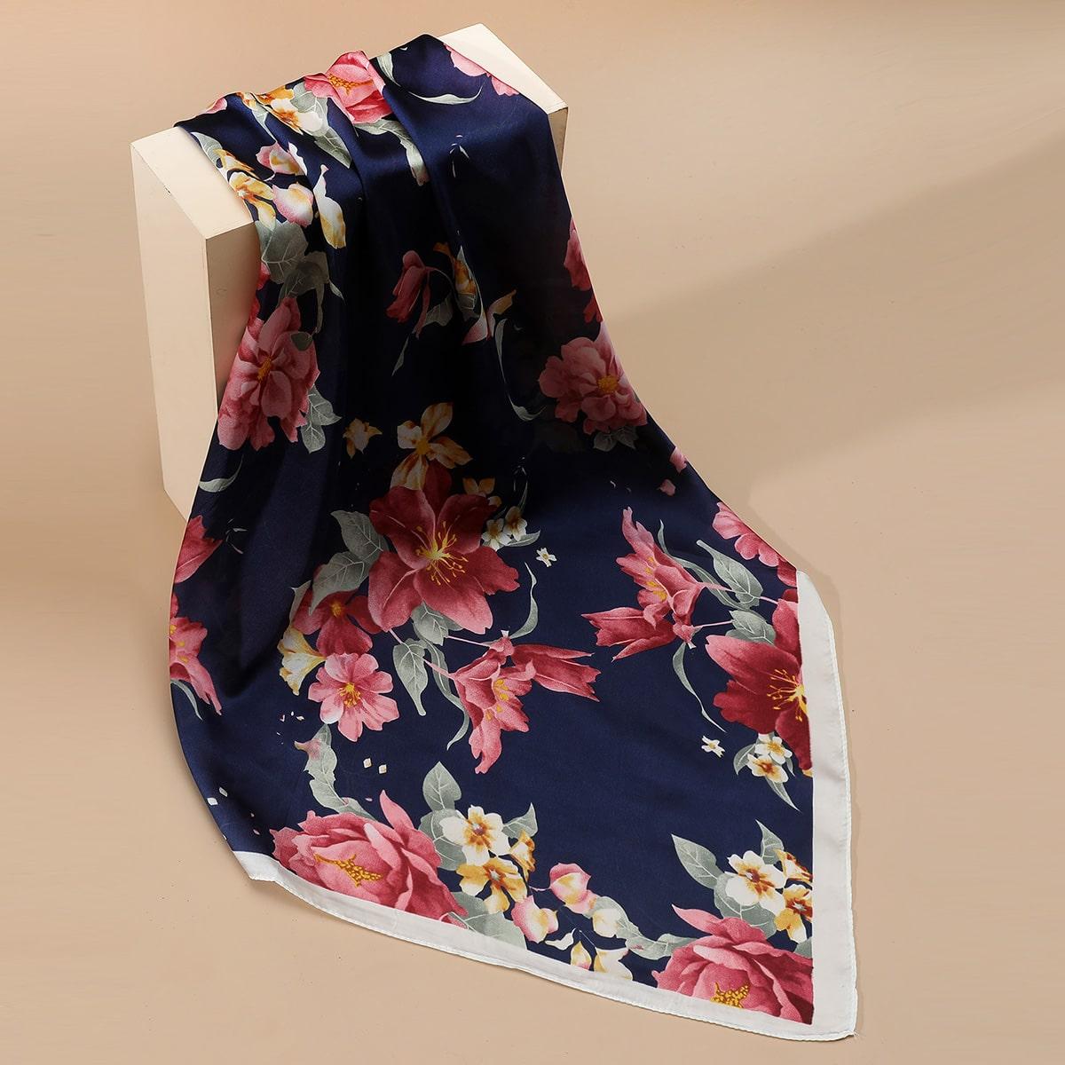 Pañuelo con patrón de flor