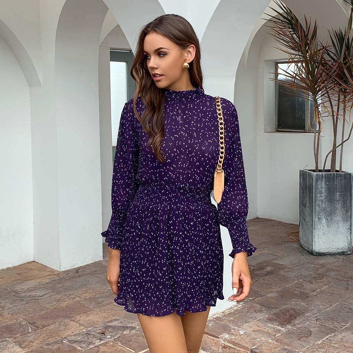 SHEIN / Kleid mit Punkten Muster, geraffter Taille und Schlitz