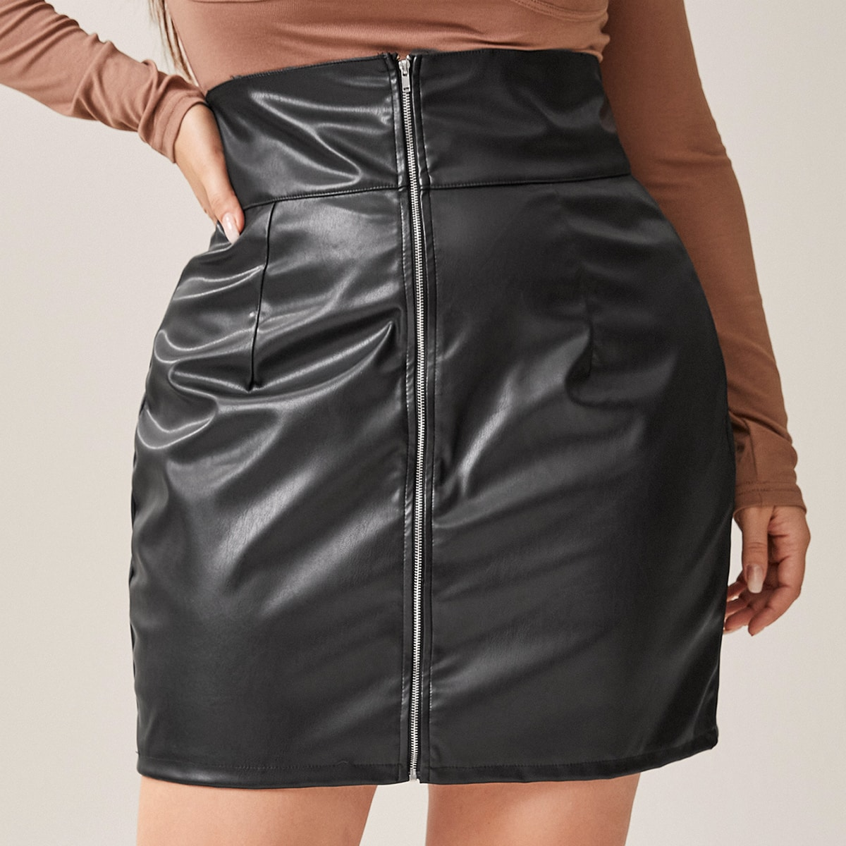 SHEIN / Plus Zipper Front PU Leather Straight Skirt