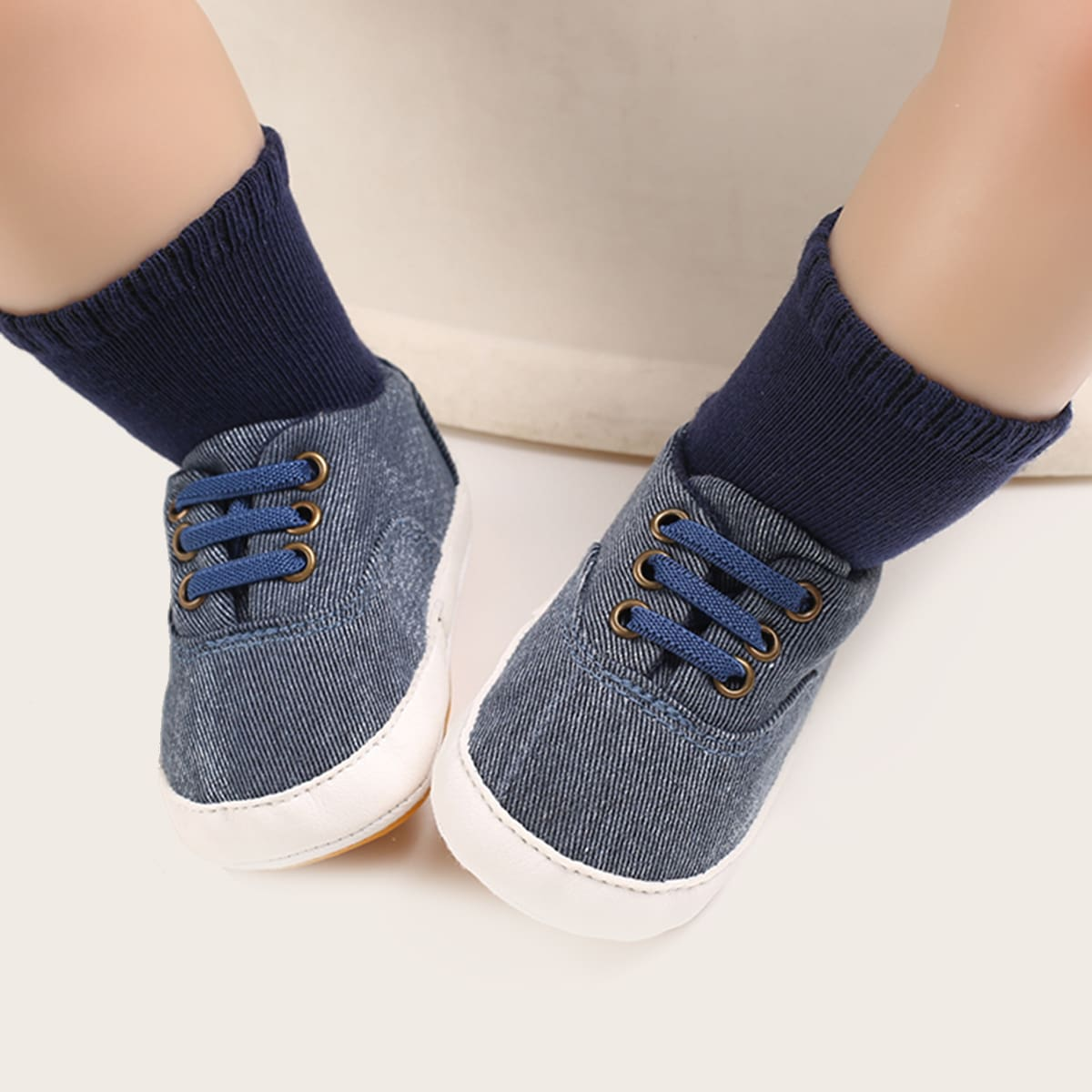 Кроссовки для мальчиков от SHEIN