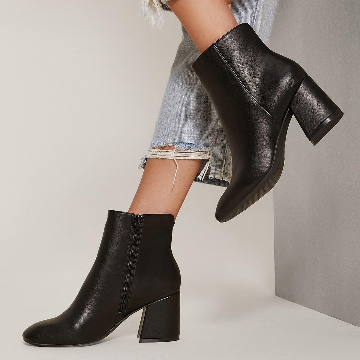 SHEIN / Kunstleder Stiefel mit quadratischer Zehenpartie