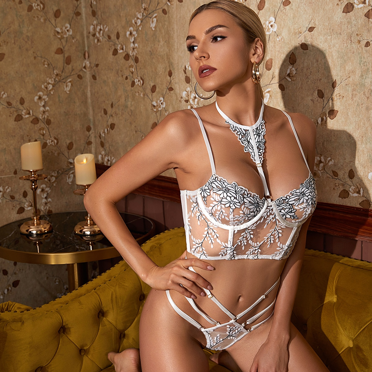 SHEIN / Embroidered Mesh Underwire Lingerie Set & Choker