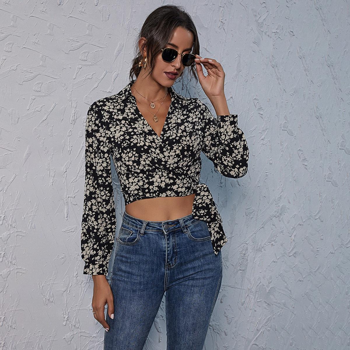 SHEIN / Bluse mit seitlichen Knoten, Gänseblümchen Muster und Wickel Design