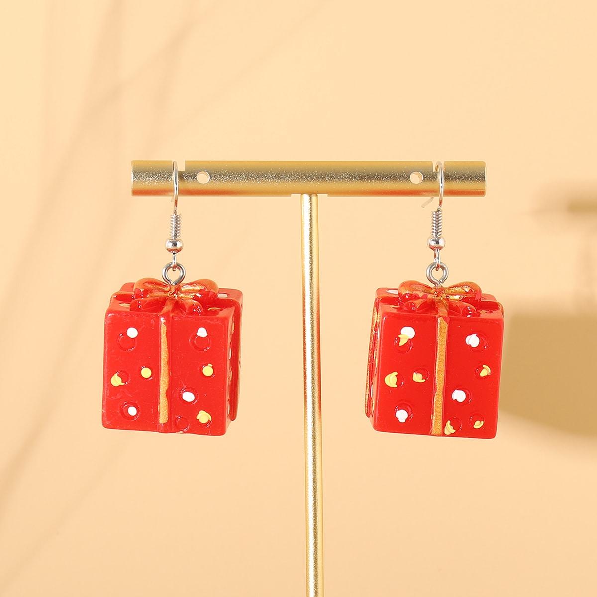 Серьги-подвески с рождественским подарком от SHEIN