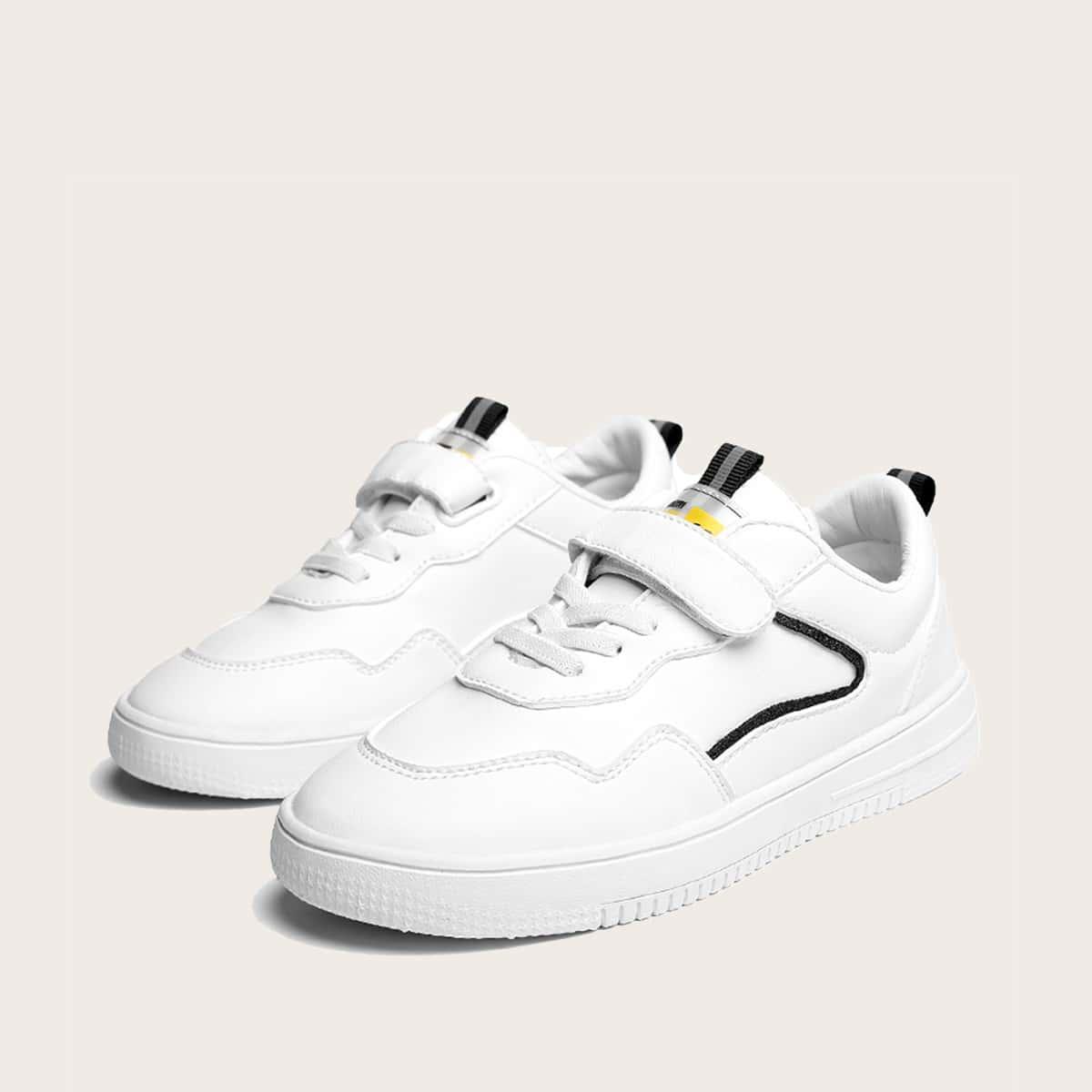 Туфли на липучке для мальчиков от SHEIN