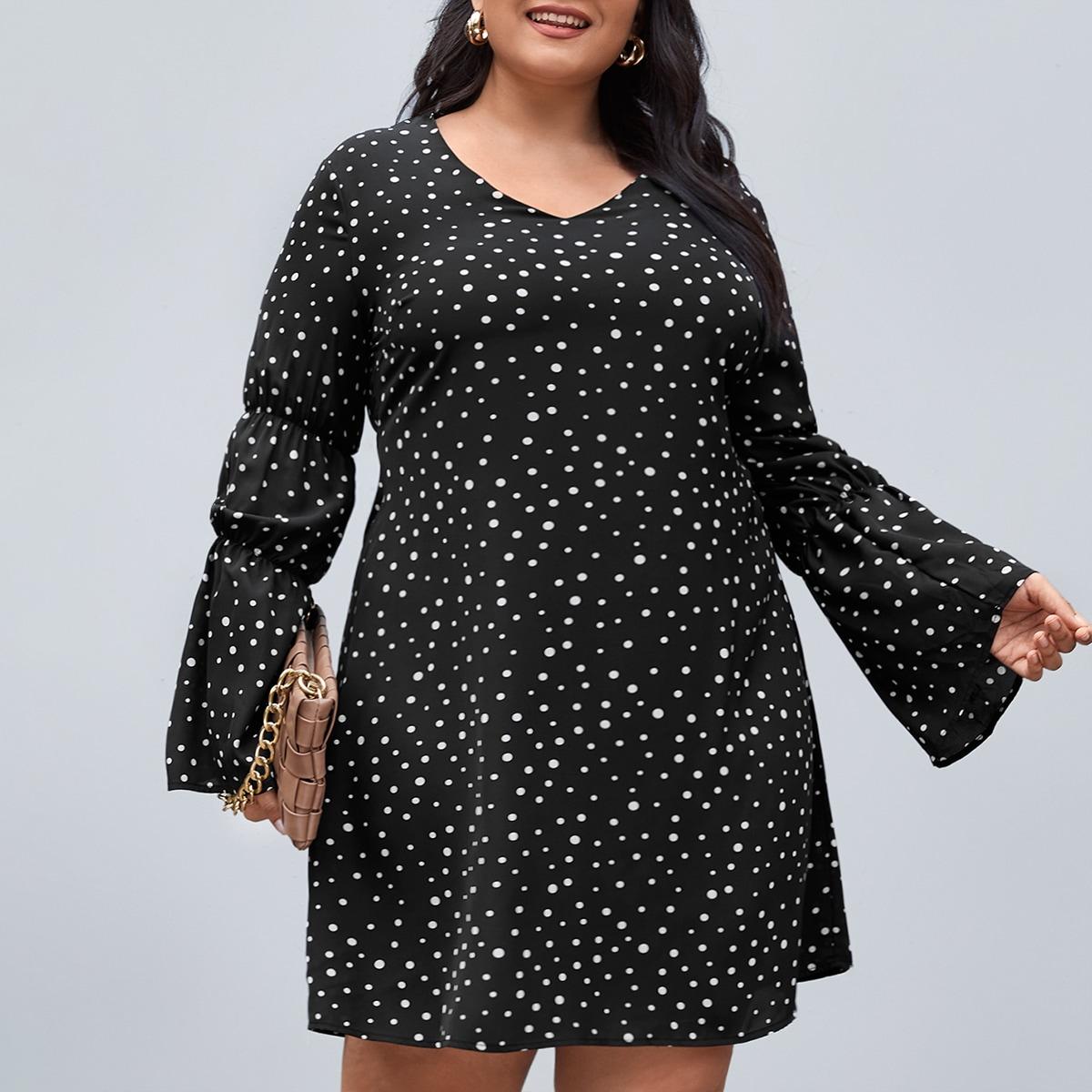 SHEIN / Kleid mit Punkten Muster, V Kragen und Schößchenärmeln