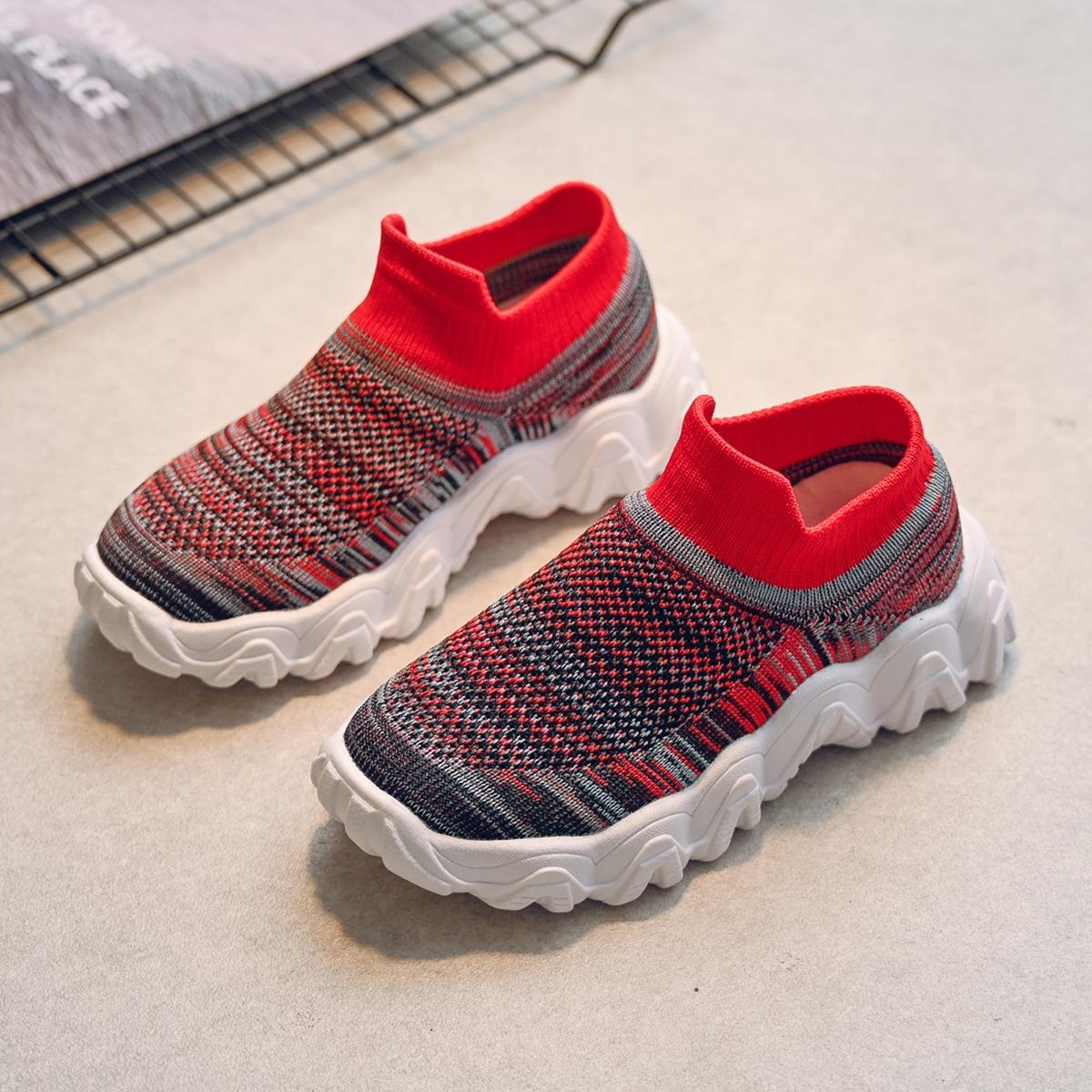 Контрастные трикотажные кроссовки для мальчиков от SHEIN