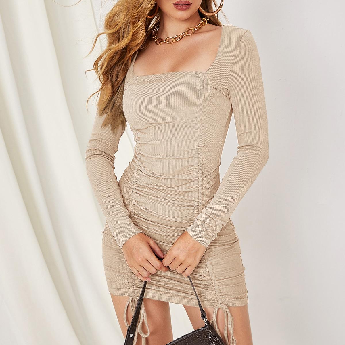 Vestido ajustado con fruncido delantero con cordón de cuello cuadrado