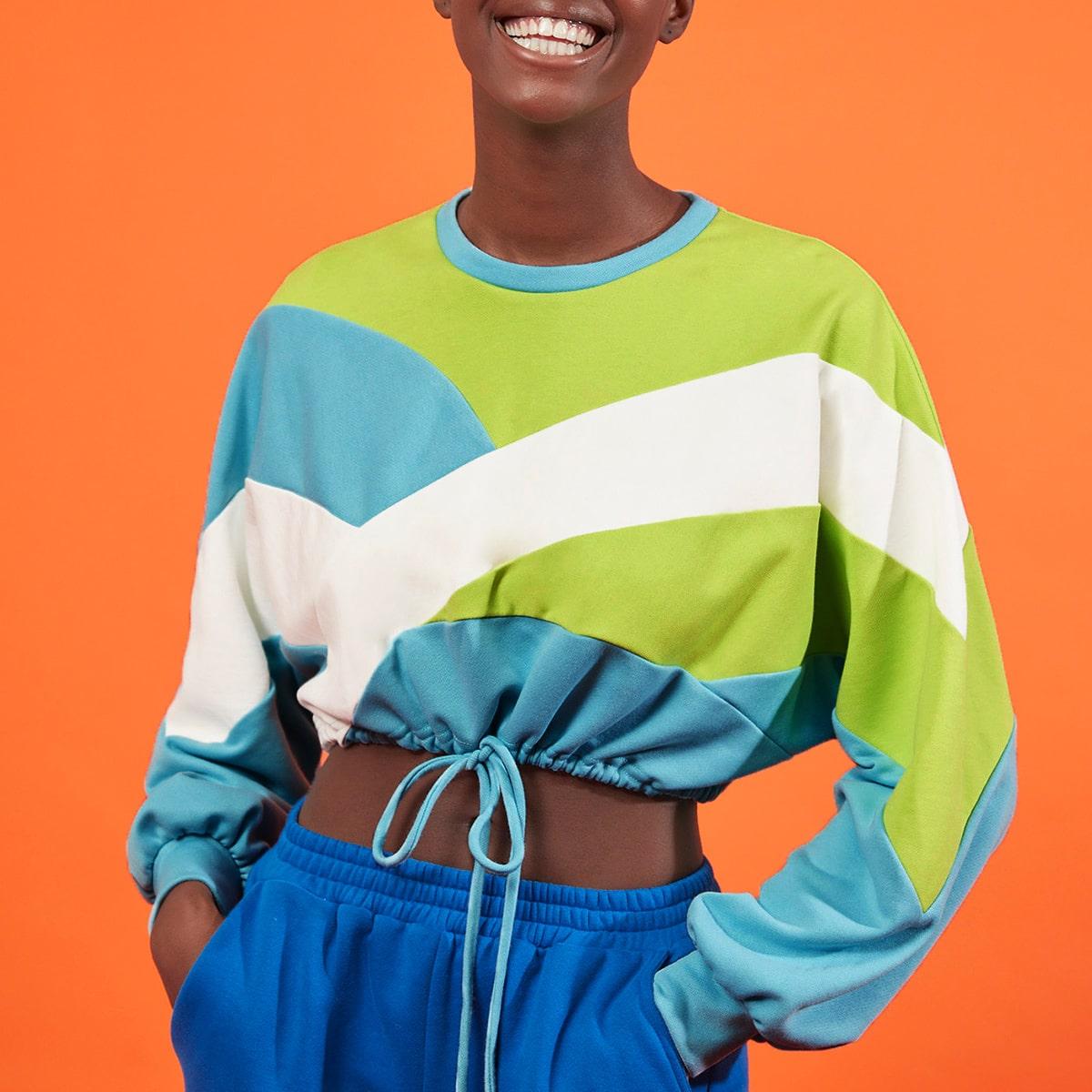 SHEIN / Drop Shoulder Drawstring Hem Colorblock Crop Pullover
