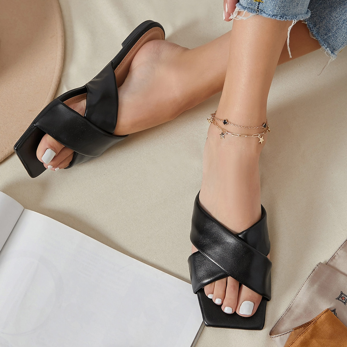 SHEIN / Faux Leather Crisscross Vamp Square Toe Sandals