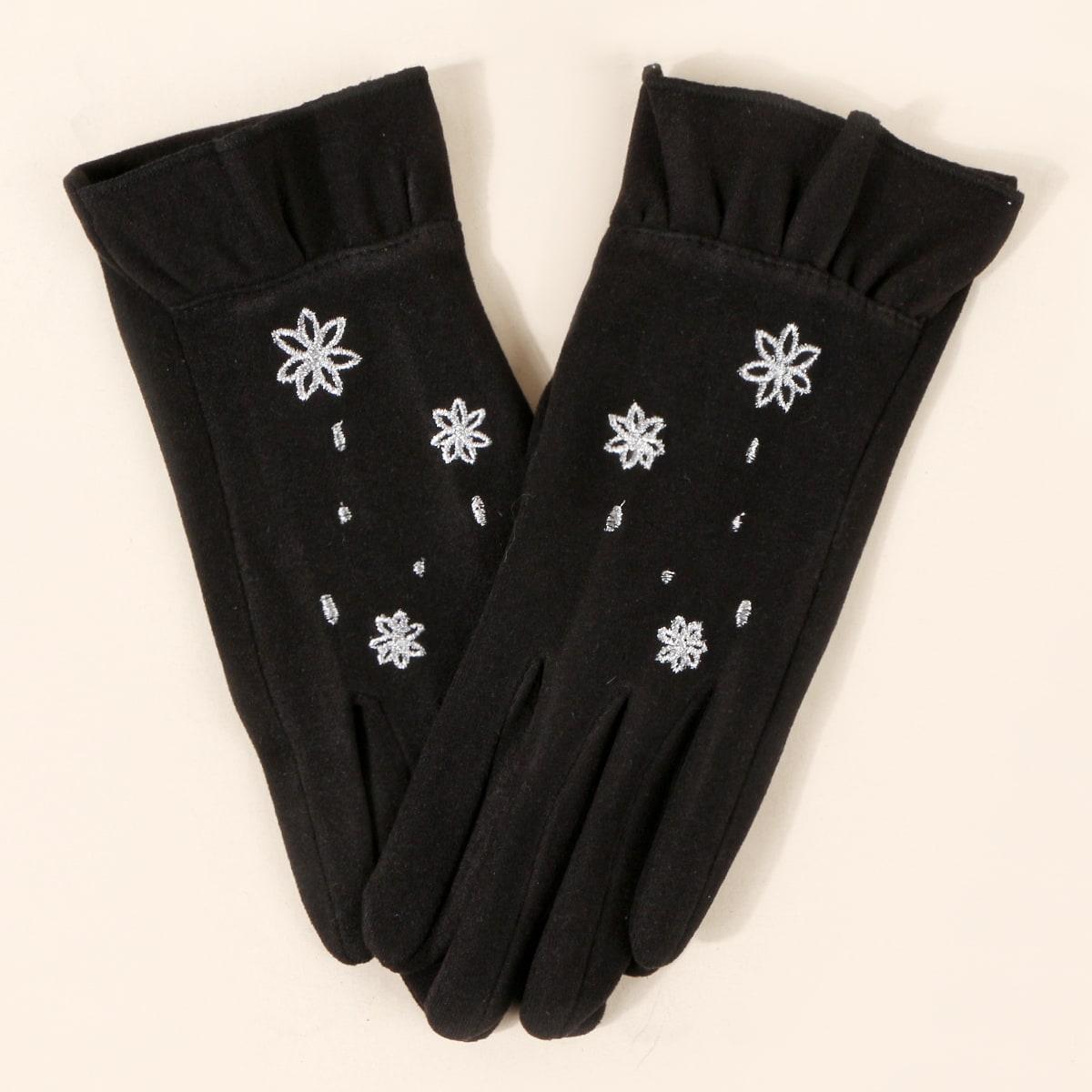 Перчатки с цветочной вышивкой