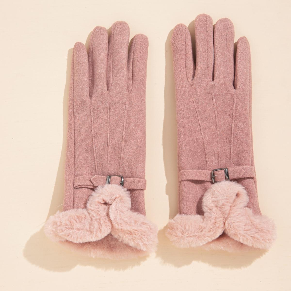 Перчатки с пряжкой