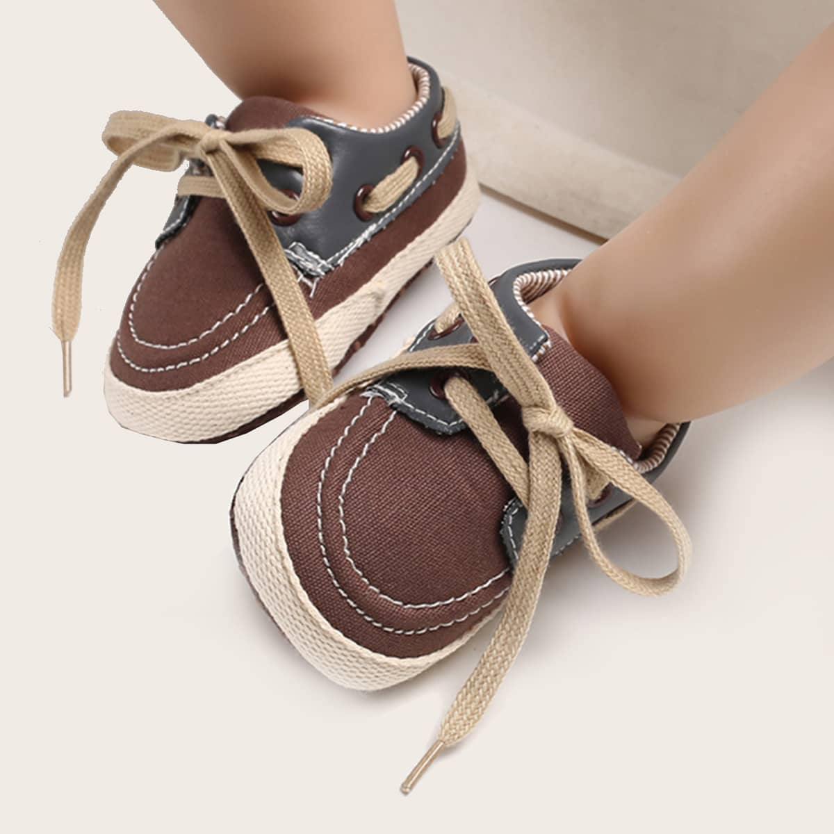 shein Sneakers met veters voor babyjongens