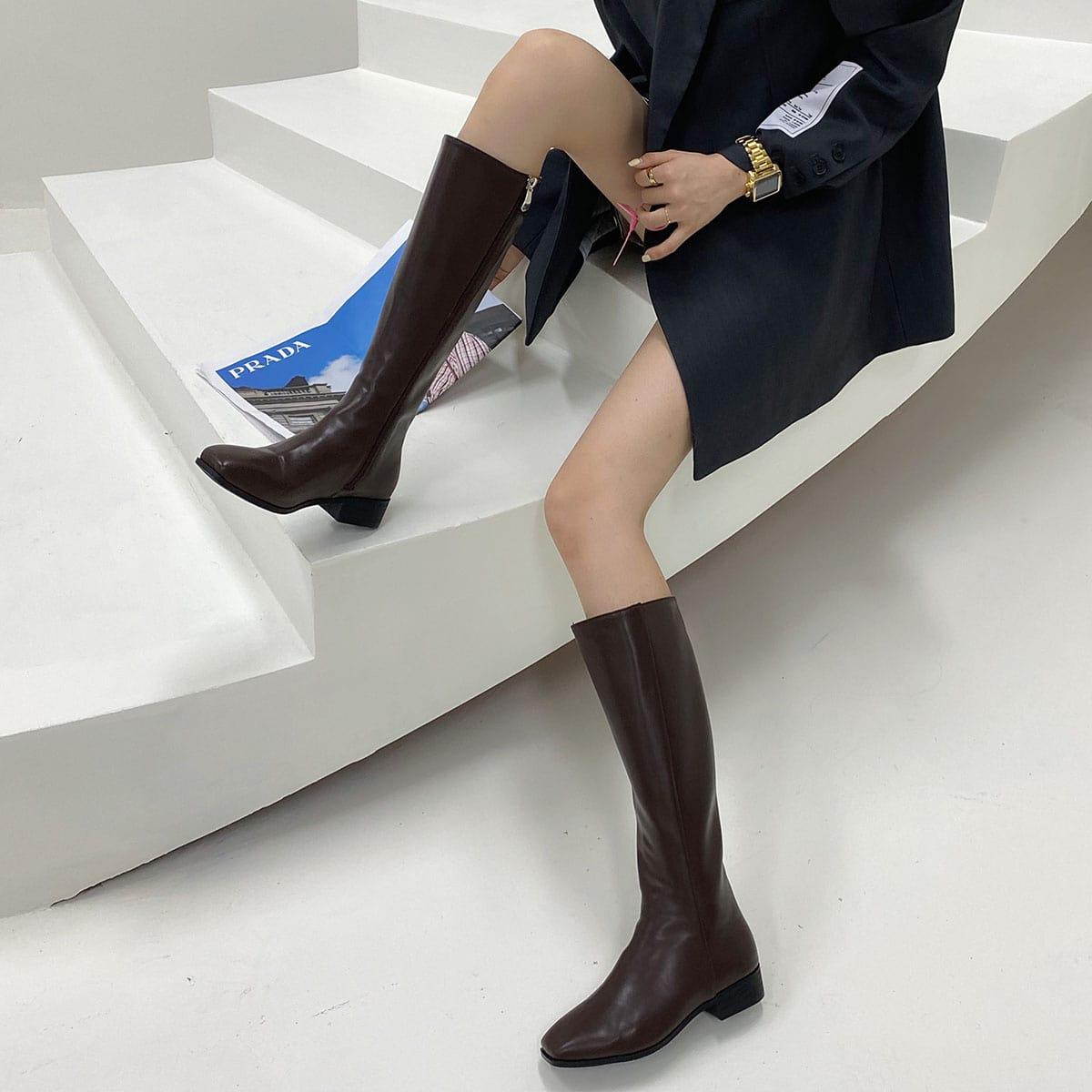 SHEIN / Minimalistische flache Stiefel mit Reißverschluss