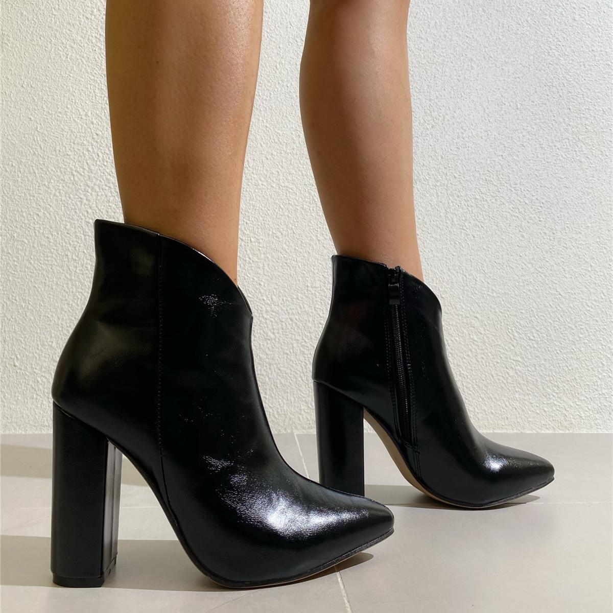 SHEIN / Minimalistische Stiefel mit seitlichem Reißverschluss und klobigem Absatz