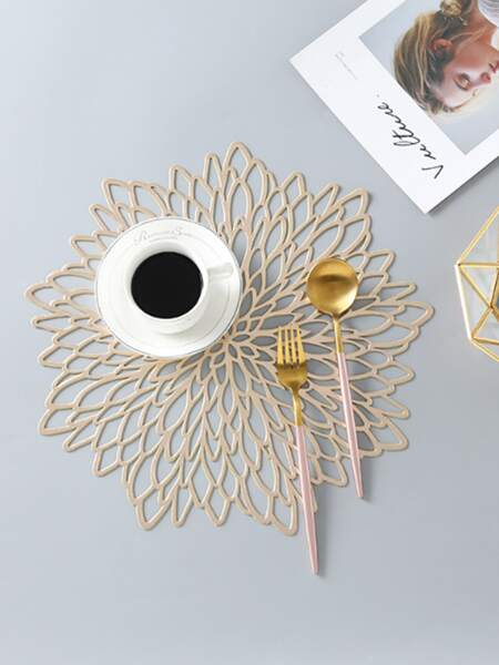 1pc Flower Shaped Hollow Placemat