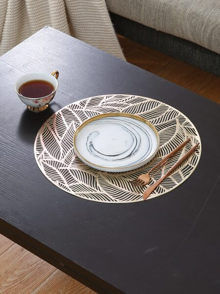 Round Hollow Leaf Placemat