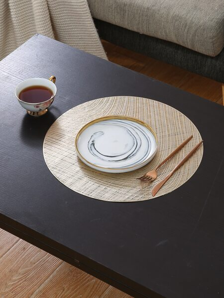 Round Hollow Placemat