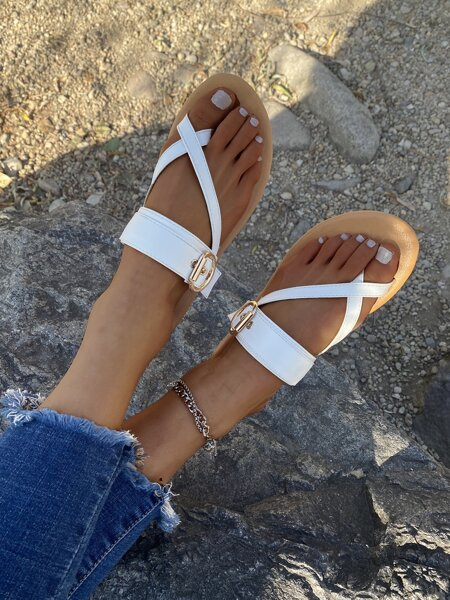 Eyelet Buckle Decor Flat Thong Sandals