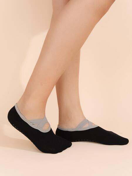 Cross Detail Invisible Socks