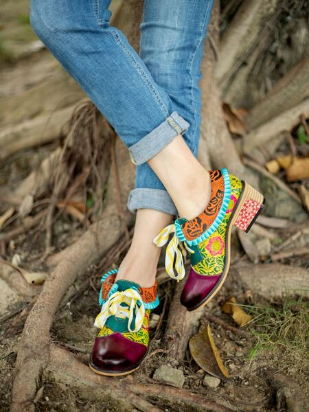 Flower Pattern Leather Oxford Pumps