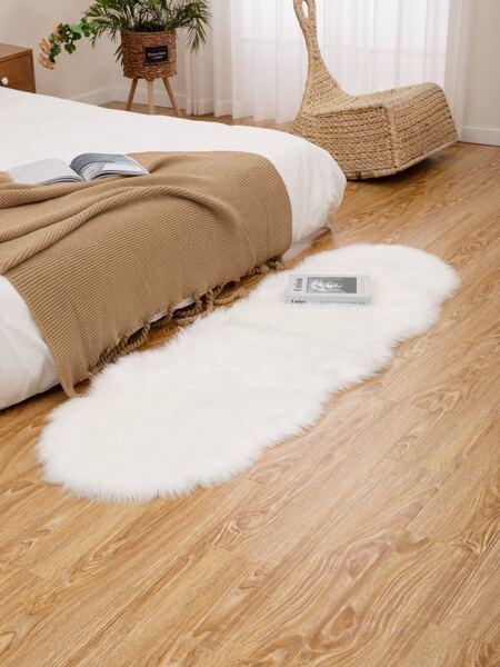 Plain Wavy Edge Plush Carpet
