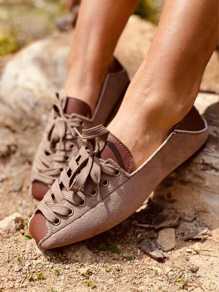 Square Toe Lace-up Front Flats