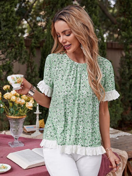 Contrast Schiffy Ruffle Trim Ditsy Floral Top