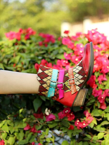 Geometric Pattern Buckle Decor Leather Boots