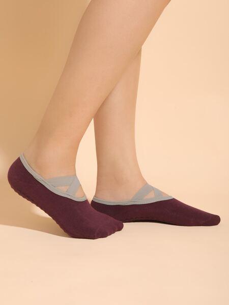 Criss Cross Detail Short Socks