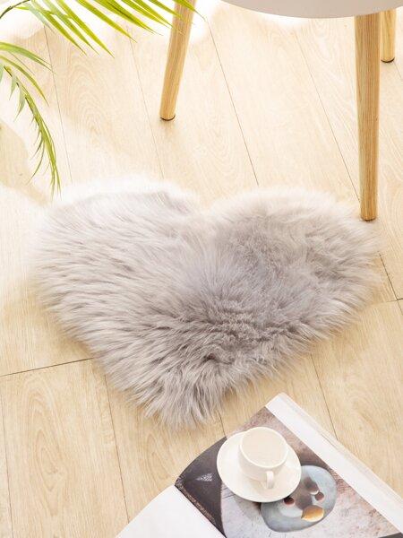 1pc Heart Shaped Shaggy Plush Carpet