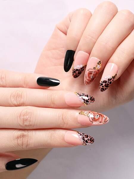 24pcs Leopard Fake Nail & 1sheet Tape