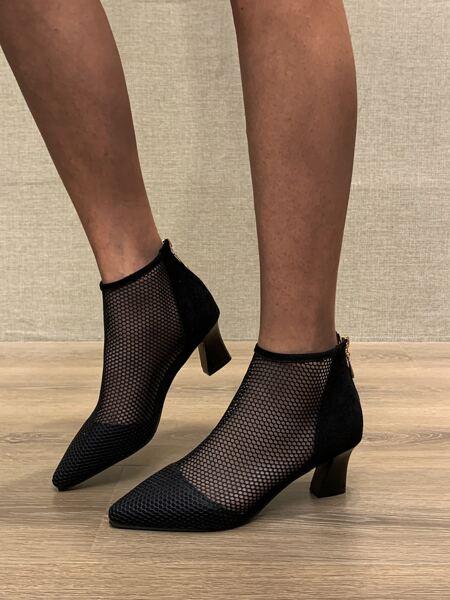 Minimalist Chunky Heeled Mesh Boots