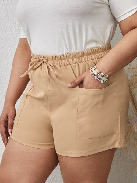 Plus Knot Front Dual Pockets Shorts